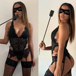 Anitta se fantasia de Tiazinha e deixa os fãs de pau duro