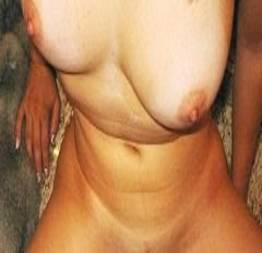 Jasmim esposa gostosa exibindo o bucetão no motel
