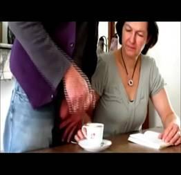 Café da manhã com porra pra professora safada