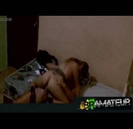 Filma escondido sexo com a amante no colchão