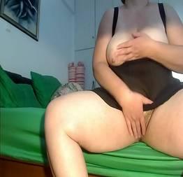 Gorda no skype fazendo sexo virtual