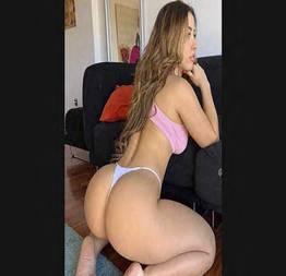 Loira brincando com pau do comedor - Brazilian Sex