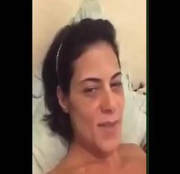 Luiza caiu na net gozando de tanto se masturbar
