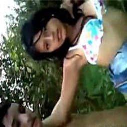 Novinha de santo Antonio dando no meio do mato pro namorado