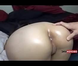Novinha perdendo a virgindade do ânus no video amador | XVEDEO.COM.BR