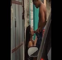 Casada é flagrada na rua mamando traficante dotado - Novinhas do Sexo