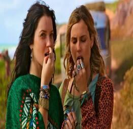 Nathália Dill e Livia De Bueno se pegando - Famosas Tube