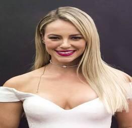Paola Oliveira completamente nua - Famosas Tube