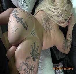 Comendo o cu da tatuada gostosa