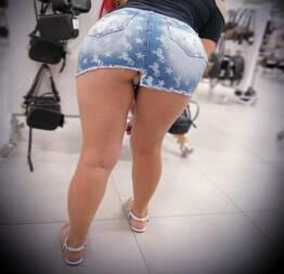 Esposa novinha adora se exibir em publico | Safadas