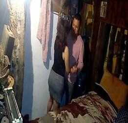 Escondido com a prima da cunhada na casa dela
