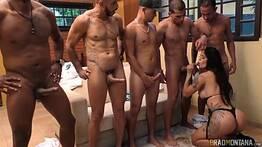 Samara tarada por sexo dando pra vários machos
