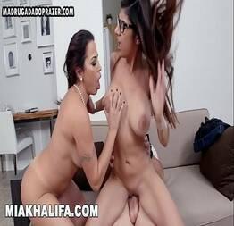 MIA KHALIFA - Sentada em pênis grandes com peitos grandes voltados para a frente compilação