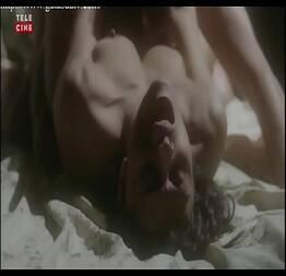 Juliana Paes em cenas de sexo e nudez abrindo as pernas e mostrando tudo