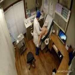 Doutor Fodendo Paciente cheia de tesão pra resolver o problema molhado