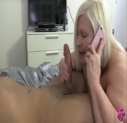 Esposa traindo o marido em casa