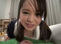 Japonesa muito novinha seduziu o irmão mais velho até ele não resistir e comer a sua buceta
