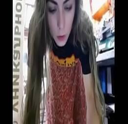Linda ninfeta mostrando a sua bucetinha na net