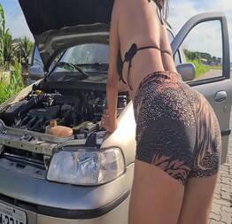 Fui para a praia e o carro deu ruim no caminho tive que pedir socorro - Novinha do zap safada