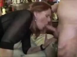Esposa e amigos do corno - marido filma