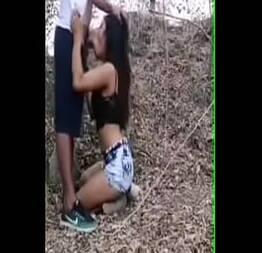 Sexo no bosque com vagabunda putinha gostosa