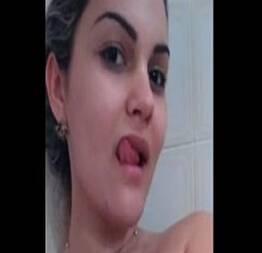 Aline carioca bucetuda se mostrando