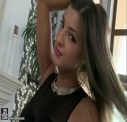Masturbação quente com a linda Maria Rya.