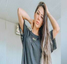 Mayra cardi pagando peitinho em vídeo no instagram