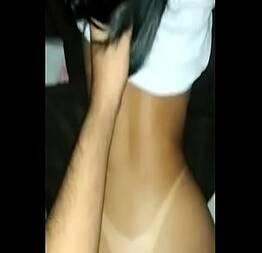 Novinha sentando na piroca