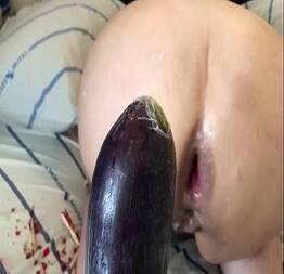 arrombando com a beringela - breaking into the eggplant