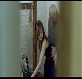 Corninho flagra sua namorada dando para o professor