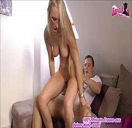 Novinha alemã metendo forte com um amigo