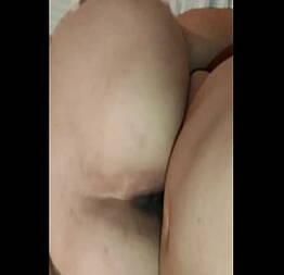 Gordinha leva no cu e grita