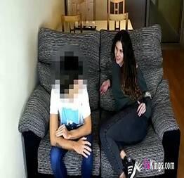 Lily na putaria com o irmão do seu namorado
