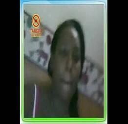 Linda caiu na webcam msn