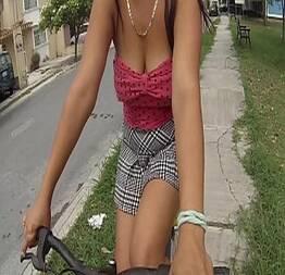 Passeando pela rua de bike provocando | Sexo Da Rua |sexo Na Rua